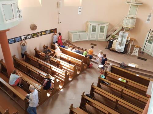 """Ausstellung in der Evangelischen Kirche Liederbach mit dem Thema """"Schöpfung"""""""